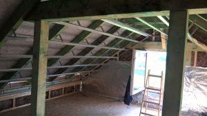 pokládka střechy, podkroví
